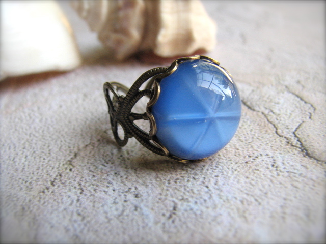 Vintage Star Cabochon and Brass Adjustable Ring - Sand Dollars